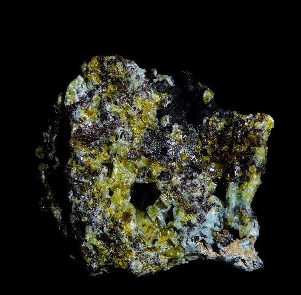 3 Plumbogummita, Piromorfita - Plumbogummite, Pyromorphite - Yanoshuo, China - 2,7x2,5 cms - 17,00 €